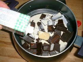 verser la crème liquide