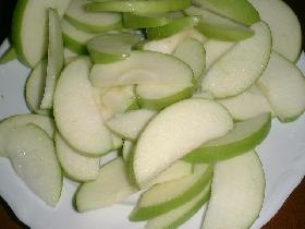 laver les pommes et les trancher sans oter la peau