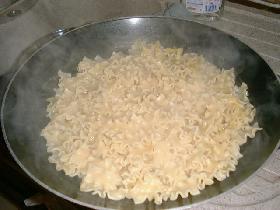 cuire les pates dans un grand volume d'eau