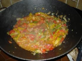 y ajouter les tomates coupées en dés et l'ail