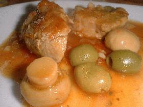 Saupoudrer de 2 càs de fond de volaille et les ajouter à la viande 20 min avant la fin de cuisson.